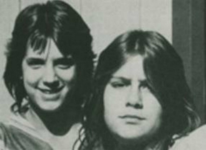 Cindy Collier (15) and Shirley Wolf (14)