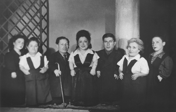 Largest Family of Dwarf Performers Who Survived the Auschwitz Concentration Camp