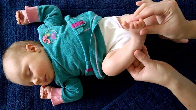 Reflexology helps a baby sleep