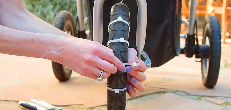 The Amazing Mom Zip Ties Her Baby Stroller