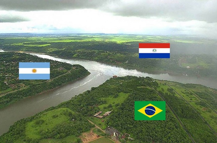 The tracts of Argentine, Brazilian and Paraguayan lands