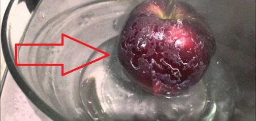 Look what happened when hot water was poured on the apple