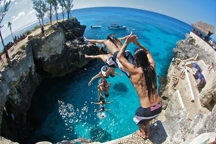 Free-cliff diving