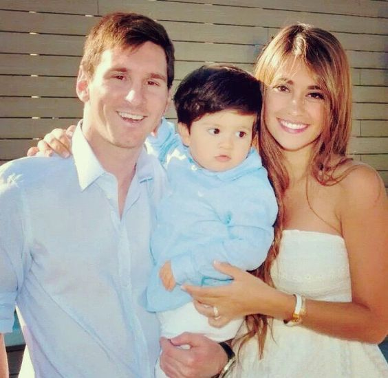 Messi Married To His Childhood Sweetheart