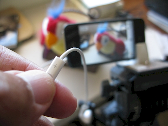 Take picture with your earphone