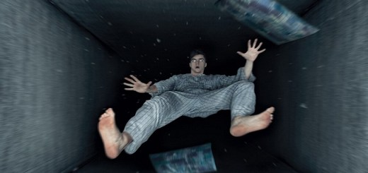 Does your body experiences a hypnic jerk while falling asleep? Here's the reason why!!