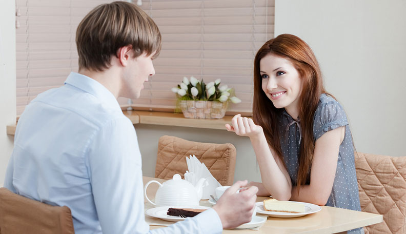 start a conversation with girl on dinner