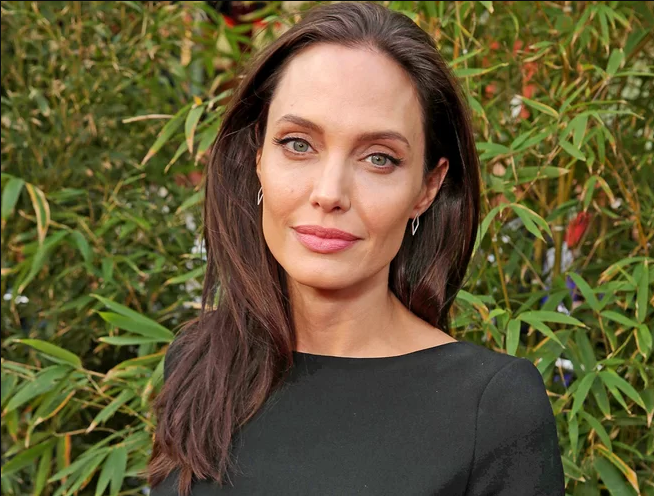 Angelina Jolie Bell's palsy diagnosis