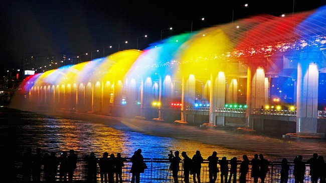 Banpo Bridge Rainbow Fountain, South Korea