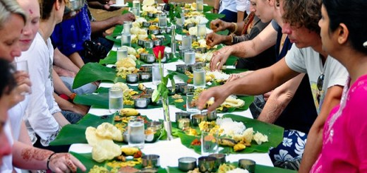 8 Reasons why Eating Food on Banana Leaves is Healthier than Thermocol or Paper Plates