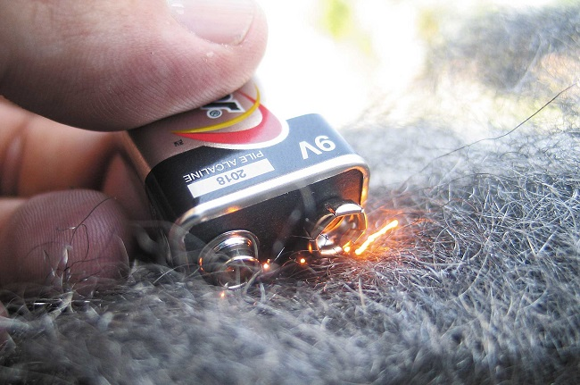 How to make fire from battery