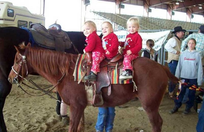 Triplets on the horse