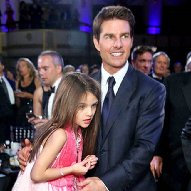 Tom Cruise reunites with Suri