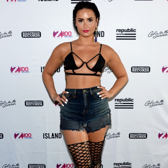 demi lovato in an event