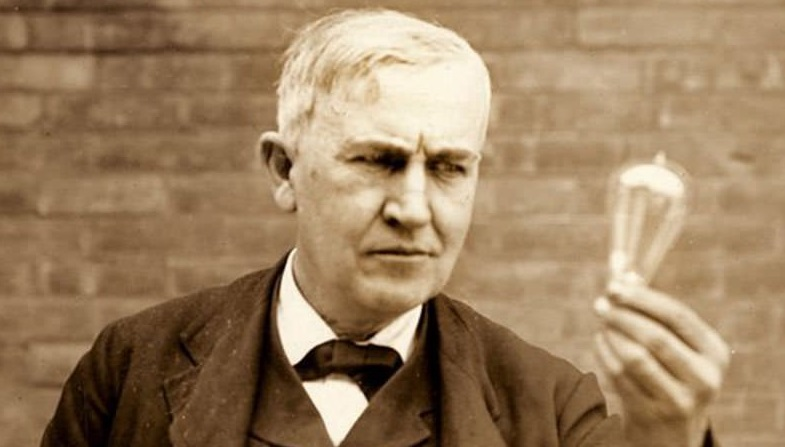 Thomas Edison the inventor of bulb