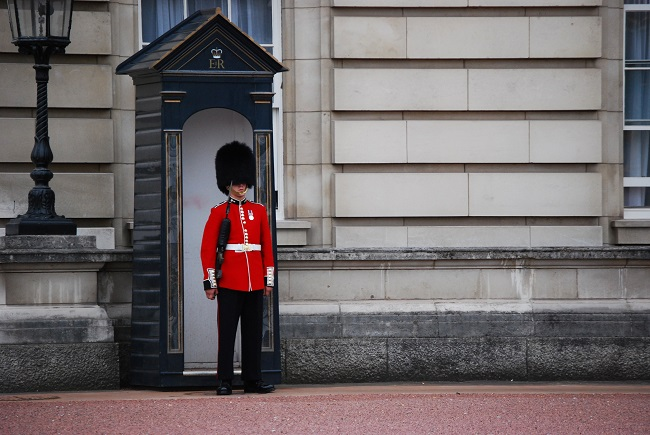 Guard_of_Buckingham_Palace