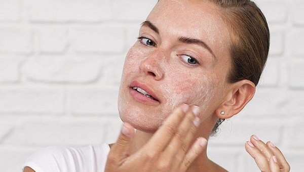 10 Skincare Products Dermatologists Warn You Not to Put on Your Face
