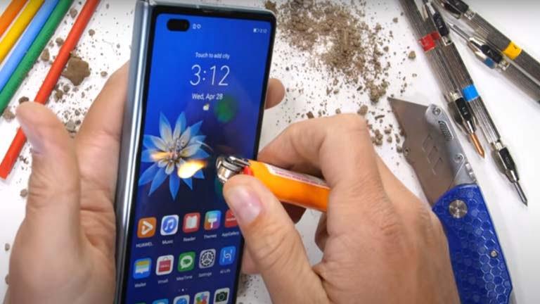 لأول مرة .. هاتف هواوي Huawei Mate X2 ضد الكسر والنار ( فيديو )