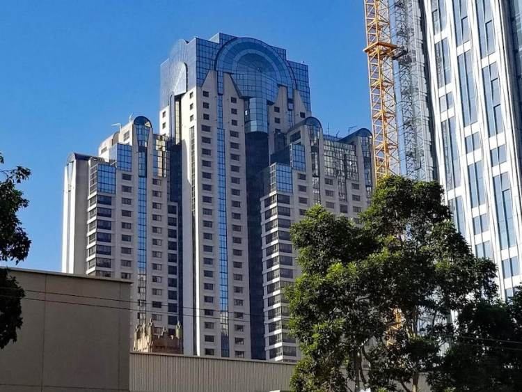 Exterior view of the San Francisco Marriott Marquis