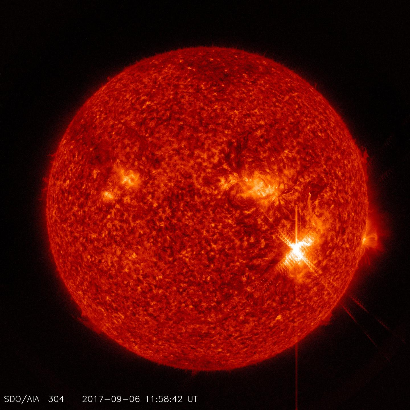 NASA captures images of strong solar flares