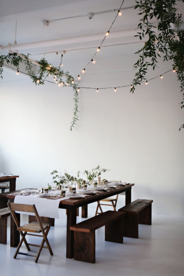 holiday dining table decor