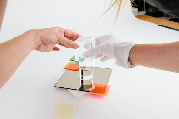 Verena-Michelitsch-Tobias-Van-Schneider-Plexiglass-reflections_makingof_4