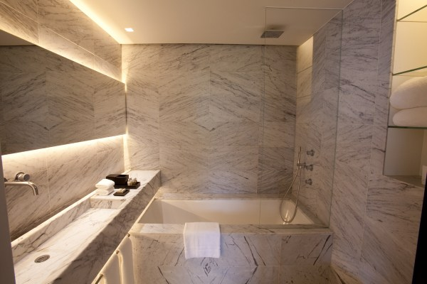 LaSuiteWest_Hotel_London_Bathroom_DesignHotels_01