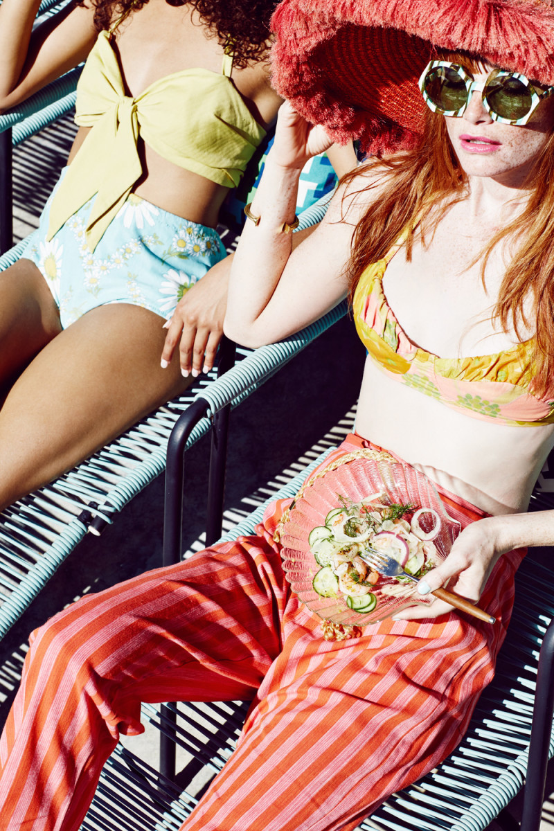 summer-editorial-pool-party-99