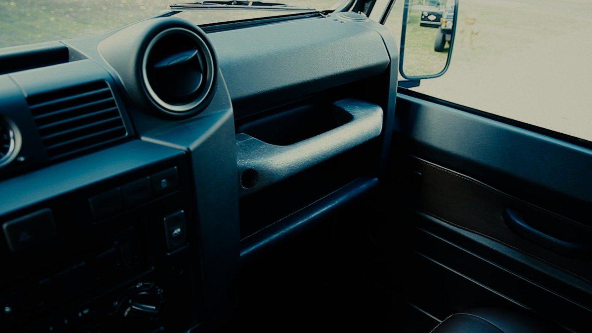 last_defender_car-piet-boon-jpg5
