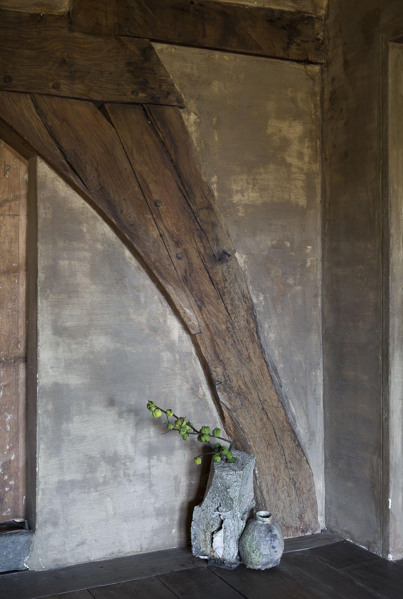 art-dealer-axel-vervoordt-belgian-estate-by-frederik-vercruysse-4