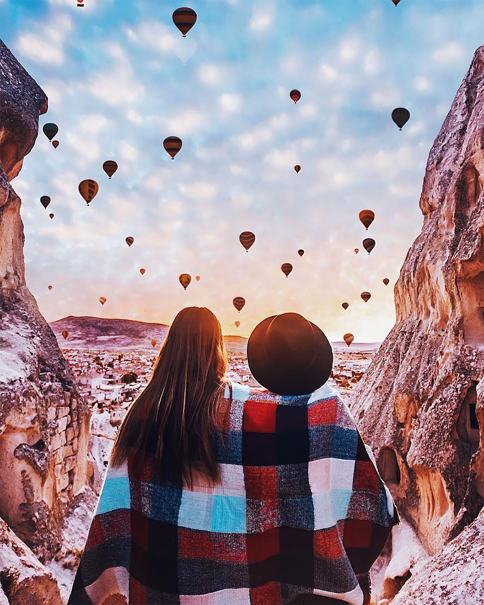 Unreal Hot Air Balloons Captured In Cappadocia [Turkey