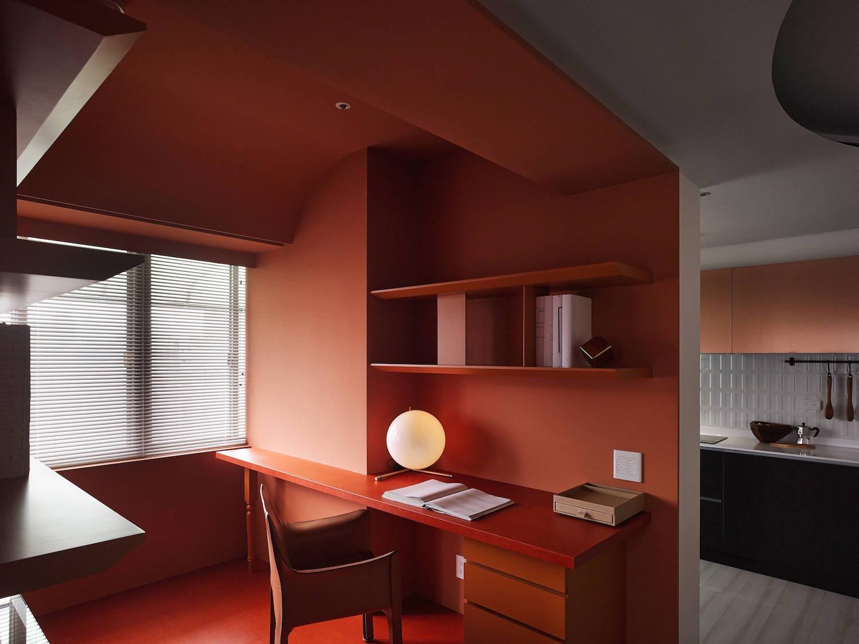 Vivid Interior Colors by Waterfrom Design Studio | Trendland