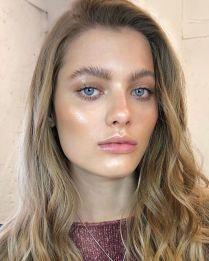 glossy makeup2