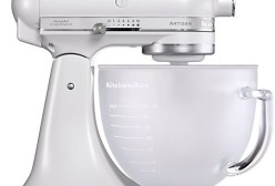 KitchenAid-Artisan-food-mixer-in-frosted-pearl-475x321
