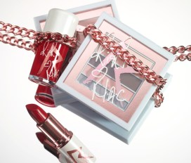 embedded_Riri-Hearts-MAC-Holiday-Collection