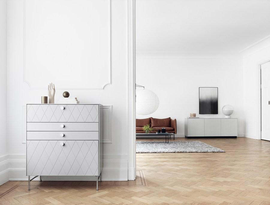 Superfront-1485-Storage-HARLEQUIN-NO-PATTERN-Ashton-Grey-REFLECTION-Aluminium-ANGLES-LOW-Chrome-Photo-Philip-Karlberg