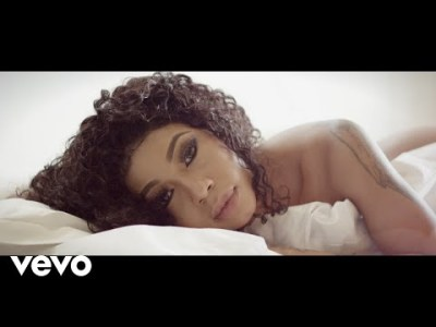 Kelly Khumalo Ngathwala Ngaye Video Download