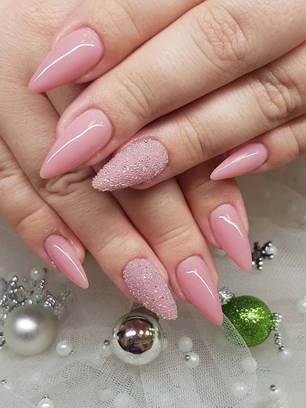 Gorgeous Pink Nail Arts to Copy in Year 2020