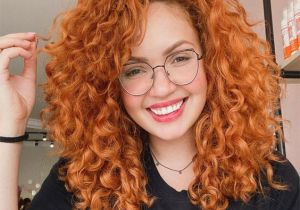 Attractive Red Medium Curly Hair Ideas to Try Now