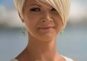 Amazing Short Haircuts with Side Bangs for Women 2020