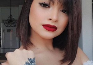 Ideal & Cool Makeup Look with Medium Hair In 2020