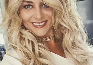Awesome Long Blonde Hair Styles to Sport in Year 2020