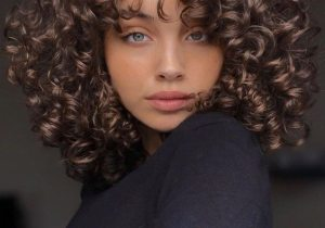 Awesome Style of Curly Hair for Medium Length Hair
