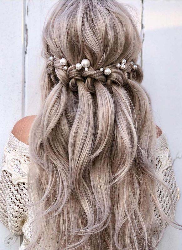 Perfect Half Up Bridal Hairstyles for Ladies