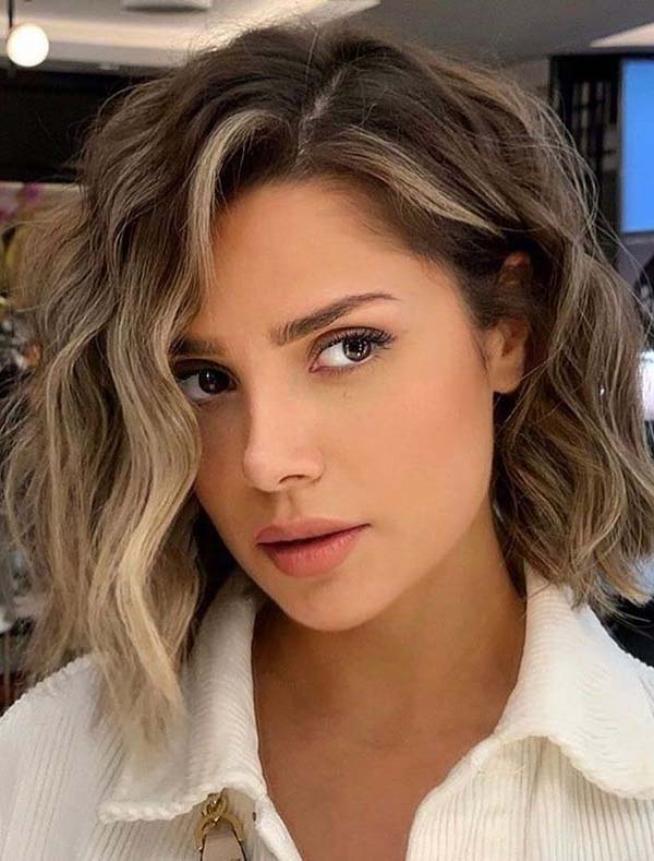 Modern Short Haircuts and Hairstyles for Women