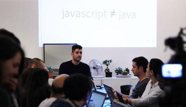 """Ny bootcamp for kodere: """"Når man presser folk, opstår der noget særligt"""""""