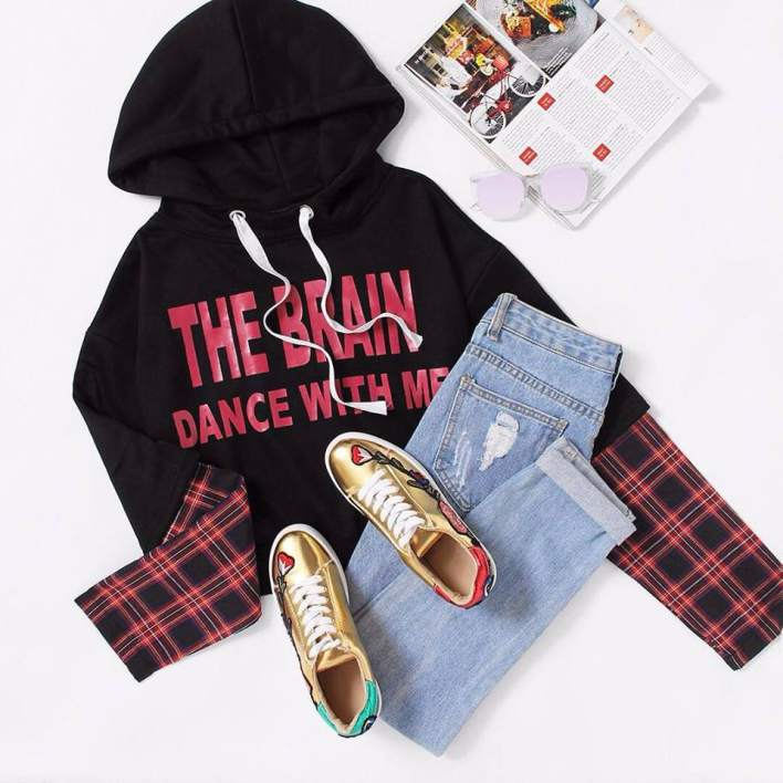 Outfit With Sneaker