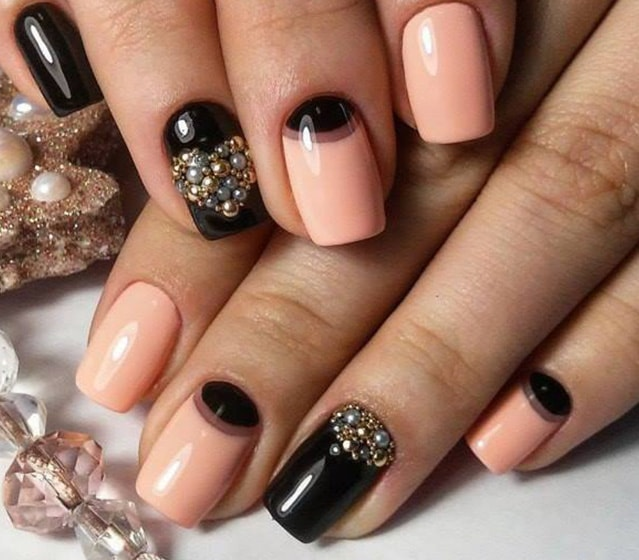 23-25 Romantic Heart Nails Designs
