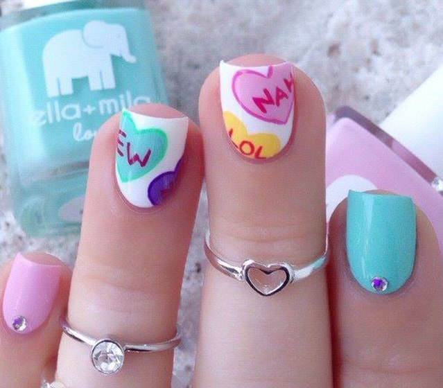 24-25 Romantic Heart Nails Designs
