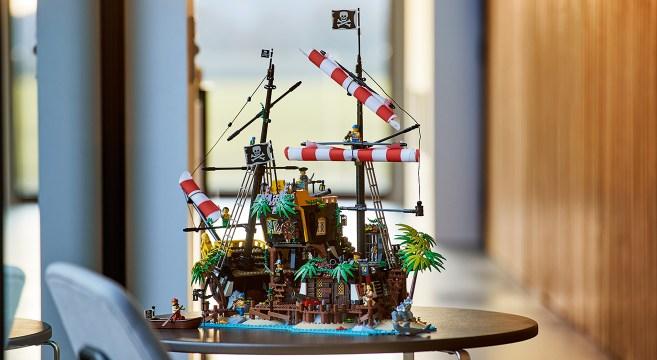 ©LEGO Ideas Barracuda Pirates